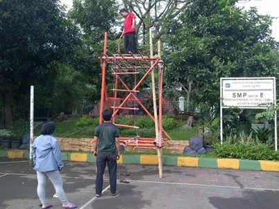 Menara pandang yang dibuat oleh pembina kita Kak Indra Trisula bersama beberapa alumni utk persiapan demo ekskul Pramuka SMP N 8 Jakarta. Kepala Sekolah meminta agar demo ekskul pramuka utk membuat menara pandang dan yel-yel.